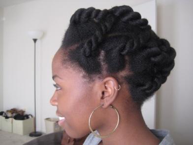Exemple de coupe protectrice qu'on peut faire en suivant des tutoriels pour cheveux afro